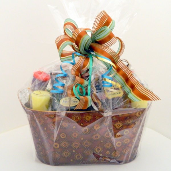 crafty, candle, canadian, handmade, gift, gift basket, cello, medium